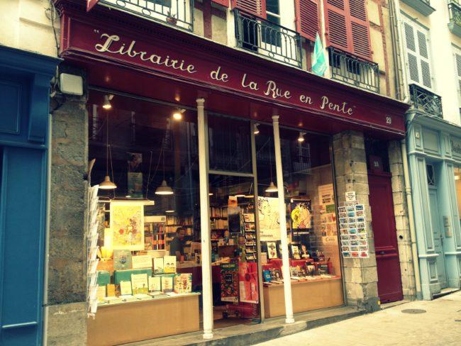 Librairie de la rue en pente 3